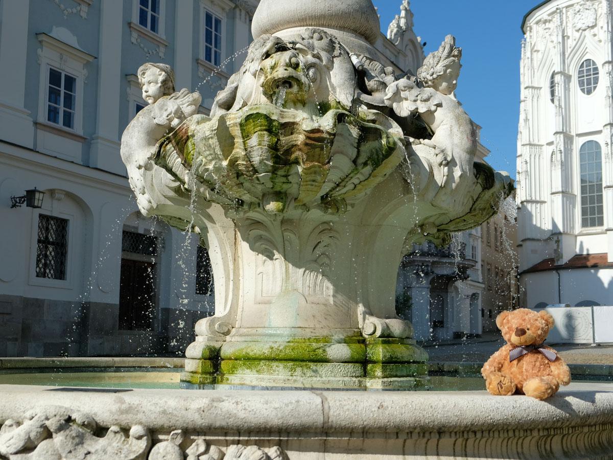 Platz 2 des Fotowettbewerbs_Motive aus Passau_Brunnen Residenzplatz